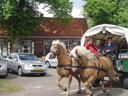 De Kezier: paard en wagen